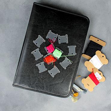Материалы для творчества ручной работы. Ярмарка Мастеров - ручная работа Органайзеры: Папка-органайзер для вышивальщицы + Мулине DMC, Гамма. Handmade.