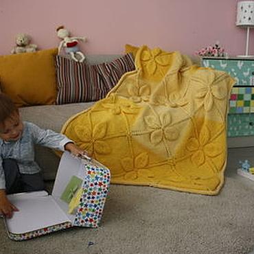 Для дома и интерьера ручной работы. Ярмарка Мастеров - ручная работа Желтый плед-покрывало с объемными цветами из шерсти меринос.. Handmade.