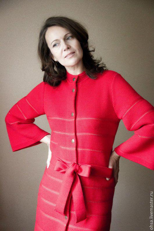 Верхняя одежда ручной работы. Ярмарка Мастеров - ручная работа. Купить Вязаное пальто-кимоно. Handmade. Ярко-красный