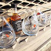 """Подарки к праздникам ручной работы. Ярмарка Мастеров - ручная работа """"На троих и ещё - 2""""!  Весёлый подарок - стаканы для виски. Handmade."""