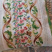 Подушки ручной работы. Ярмарка Мастеров - ручная работа Цветы и бабочки. вышитая подушка . нежно-зеленая. Handmade.