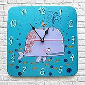 Часы классические ручной работы. Ярмарка Мастеров - ручная работа Часы Кит, часы настенные детские голубые. Handmade.