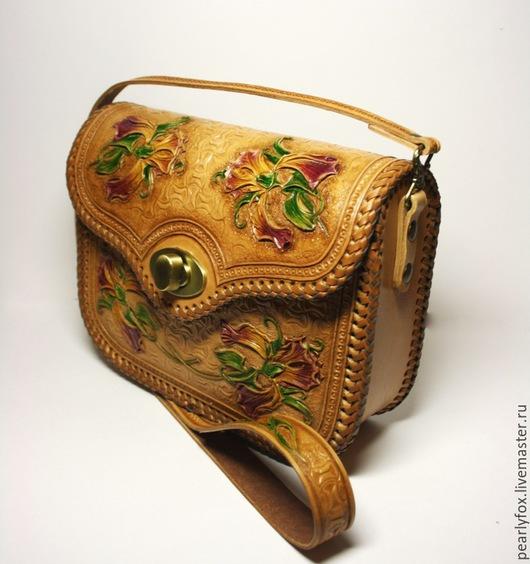 Женские сумки ручной работы. Ярмарка Мастеров - ручная работа. Купить Кожаная сумка ручной работы Ирисы. Handmade. Бежевый