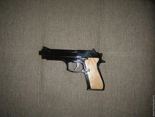 Приколы ручной работы. Ярмарка Мастеров - ручная работа. Купить Деревянный пистолет Beretta 92 (резинкострел). Handmade. Пистолет, пркол