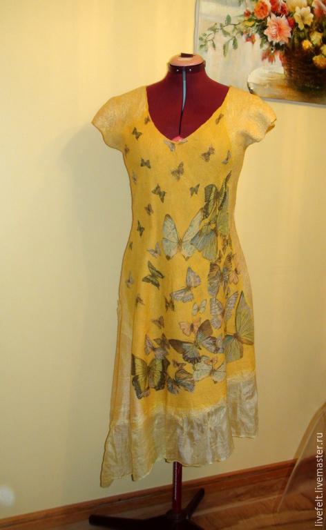 """Платья ручной работы. Ярмарка Мастеров - ручная работа. Купить Валяное платье """" Бабочки """" жёлтое открытая спинка сарафан. Handmade."""