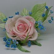 """Цветы и флористика ручной работы. Ярмарка Мастеров - ручная работа """" Нежность"""" Брошь роза с незабудками. Handmade."""