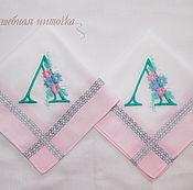 Подарки к праздникам ручной работы. Ярмарка Мастеров - ручная работа Женские носовые платочки с вышивкой. Handmade.