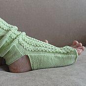 """Носки ручной работы. Ярмарка Мастеров - ручная работа Носки для йоги """"нежно салатовые"""". Handmade."""