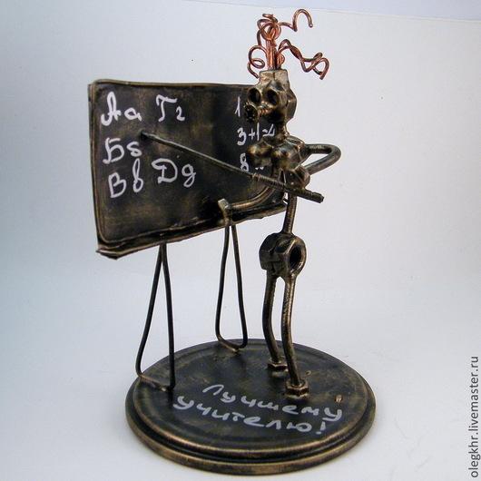Миниатюрные модели ручной работы. Ярмарка Мастеров - ручная работа. Купить Учительница первая моя. Handmade. Скульптурная миниатюра, припой