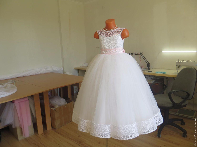 Как сшить для девочки кружевное платье