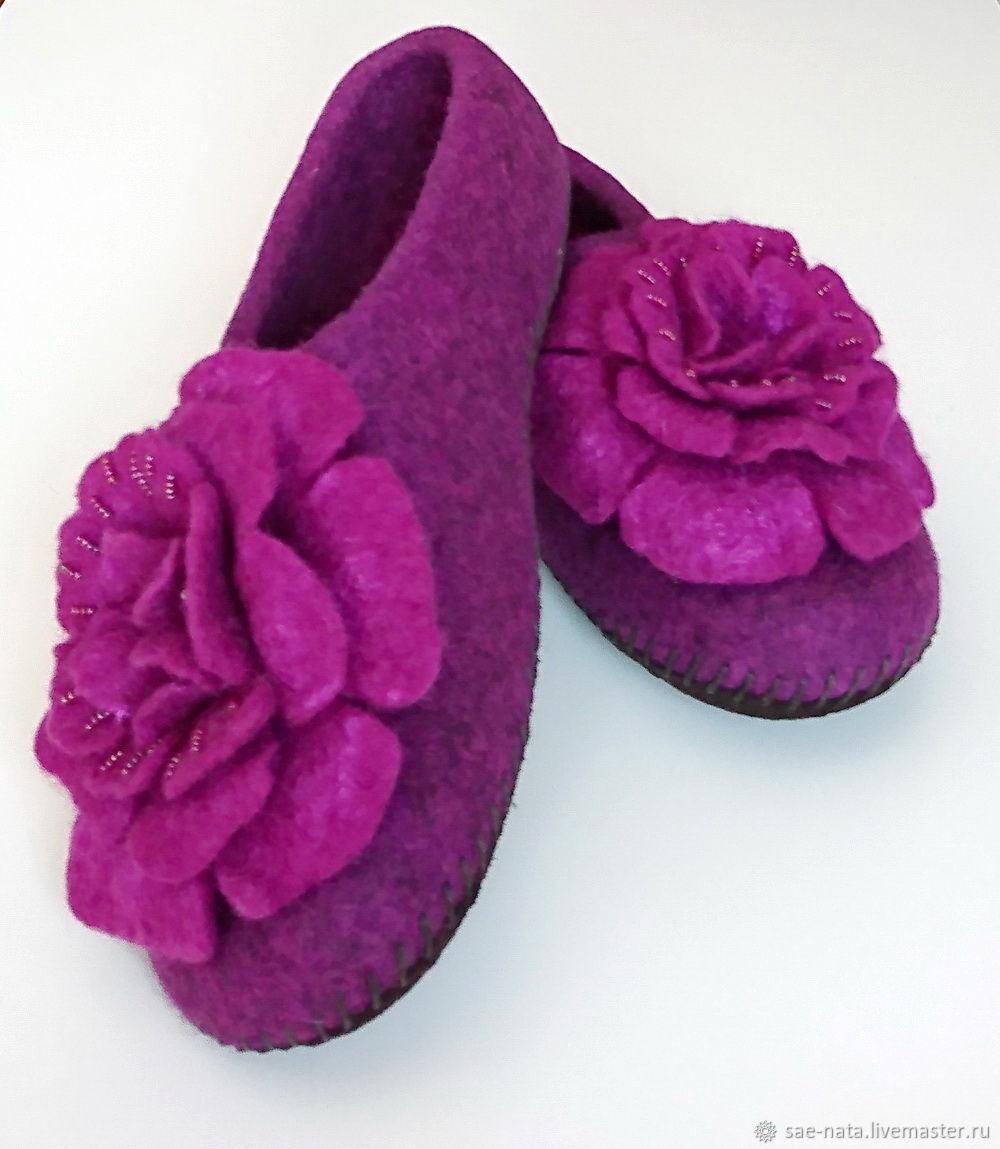 Обувь ручной работы. Ярмарка Мастеров - ручная работа. Купить Тапки валяные женские. Handmade. Подарок женщине, тапки валяные
