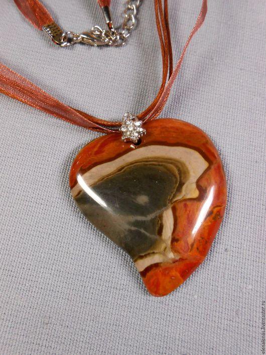 """Кулоны, подвески ручной работы. Ярмарка Мастеров - ручная работа. Купить Кулон """"Влюбленное сердце """" из яшмы. Handmade."""