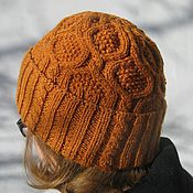Аксессуары ручной работы. Ярмарка Мастеров - ручная работа Вязаная женская шапка. Handmade.