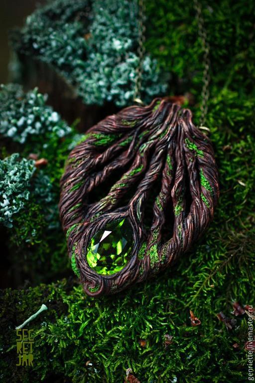 """Кулоны, подвески ручной работы. Ярмарка Мастеров - ручная работа. Купить Кулон """"Таинственный лес"""". Handmade. Миниатюра, тайна, зеленый"""