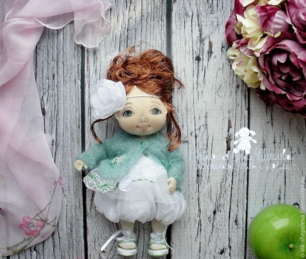 руками куколка своими маленькая текстильная