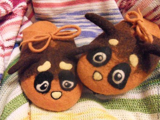 """Обувь ручной работы. Ярмарка Мастеров - ручная работа. Купить Тапочки """"Шмелики"""". Handmade. Оранжевый, шмель, люверсы"""