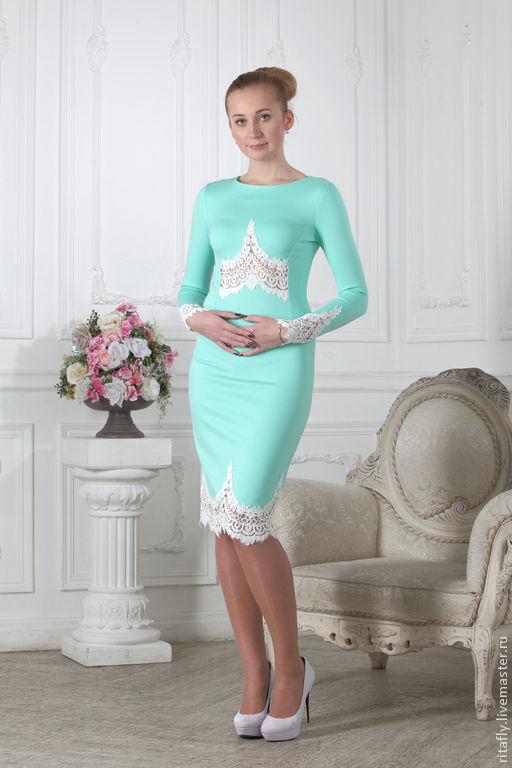 Коктейльное платье футляр из джерси. Платье с кружевом, платье по фигуре