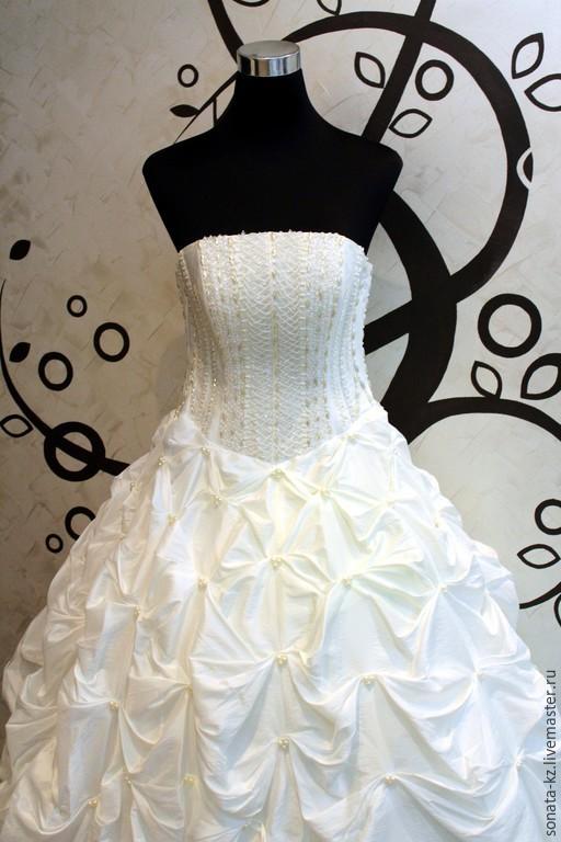 Одежда и аксессуары ручной работы. Ярмарка Мастеров-ручная работа.Купить длинное свадебное платье `Франциска`.Пышное свадебное платье.Handmade.Цвет-айвори.