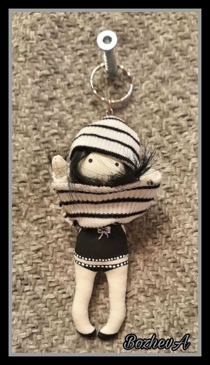 Куколка -брелочек