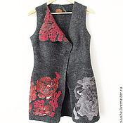 Одежда ручной работы. Ярмарка Мастеров - ручная работа Длинный жилет женский валяный Красные цветы. Handmade.