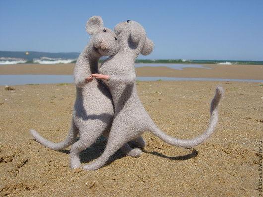 """Куклы и игрушки ручной работы. Ярмарка Мастеров - ручная работа. Купить мышки """"Танцующие пазлы"""". Handmade. Мышки из шерсти"""