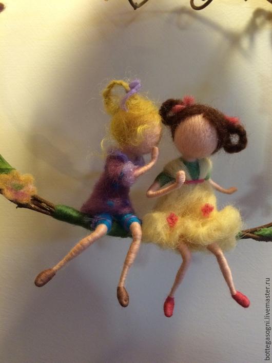 """Вальдорфская игрушка ручной работы. Ярмарка Мастеров - ручная работа. Купить Кукольная миниатюра """"Подружки-болтушки"""". Handmade. Разноцветный, девочки"""