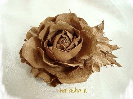 """Броши ручной работы. Ярмарка Мастеров - ручная работа. Купить Цветы из кожи.Универсальная брошь-заколка Розочка """"Любимая..."""". Handmade."""