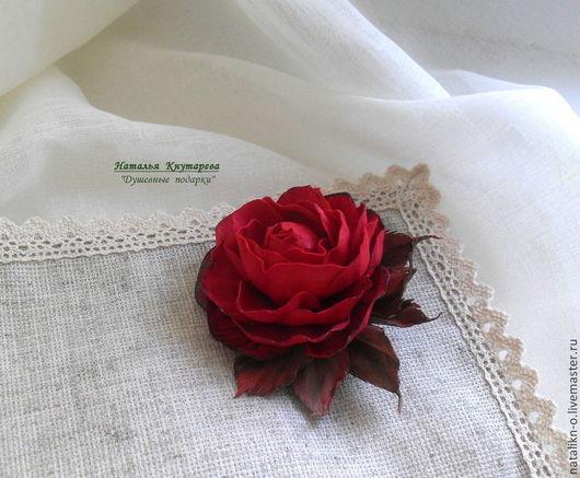 Броши ручной работы. Ярмарка Мастеров - ручная работа. Купить Брошь. Красная роза.. Handmade. Ярко-красный, розы из фоамирана