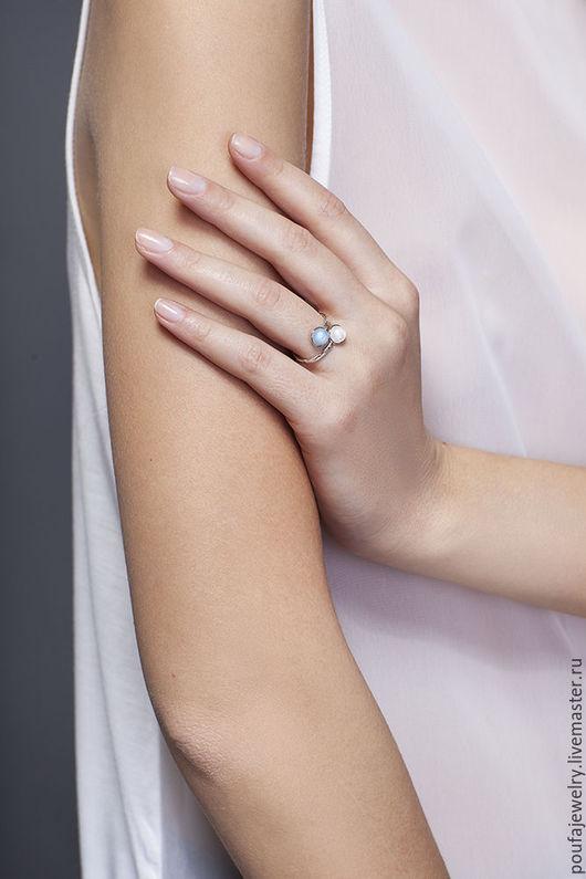 Кольца ручной работы. Ярмарка Мастеров - ручная работа. Купить Серебряное кольцо с аквамарином и лунным камнем. Handmade. Голубой