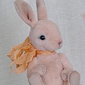 Куклы и игрушки ручной работы. Ярмарка Мастеров - ручная работа Тедди мини кролик Персиковый -11 см.. Handmade.