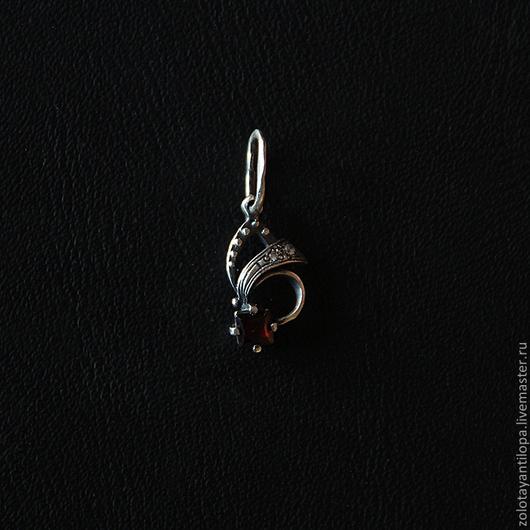 """Кулоны, подвески ручной работы. Ярмарка Мастеров - ручная работа. Купить Подвеска """"Минутка"""" из серебра 925 пробы. Handmade. Гранат"""
