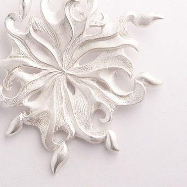 Украшения ручной работы. Ярмарка Мастеров - ручная работа Белоснежный Узор - крупный кулон из серебра в виде снежинки. Handmade.