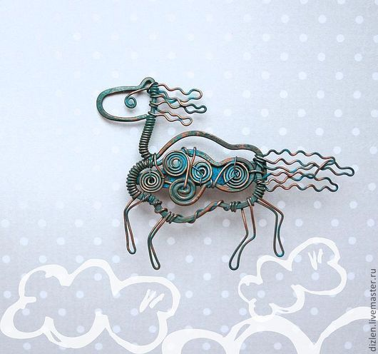 Брошь из меди ручной работы лошадка лошадь конь голубая оригинальная брошка купить wirewrap медный