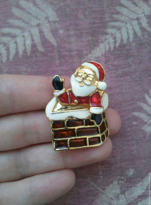 Винтажные украшения. Ярмарка Мастеров - ручная работа. Купить Винтажная брошь Привет от Санта Клауса. Handmade. Комбинированный, эмалью