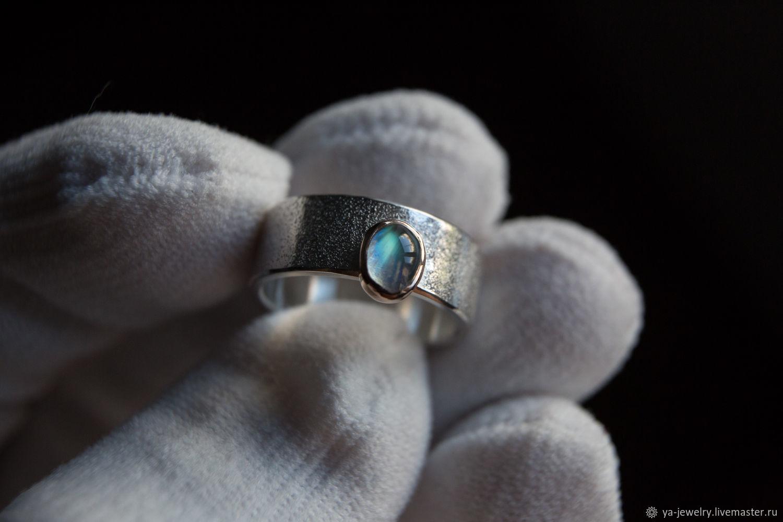Кольцо Кабошон Лунный камень – купить на Ярмарке Мастеров – M3NCORU | Кольца, Сургут