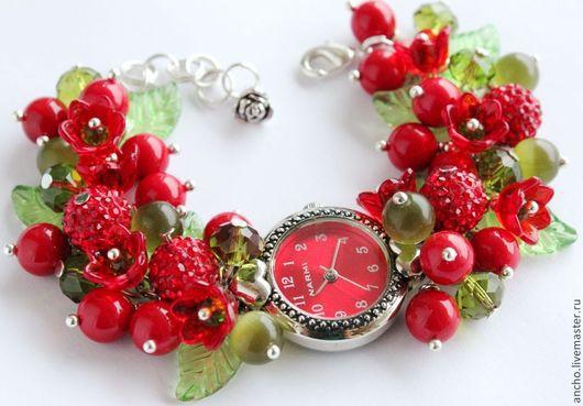 """Часы ручной работы. Ярмарка Мастеров - ручная работа. Купить Часы """"Красные ягодки"""". Handmade. Ярко-красный, красно зелный"""