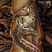 """Украшения ручной работы. Ярмарка Мастеров - ручная работа Кулон с росписью """"Жирафы"""" (Африка, лаковая миниатюра). Handmade."""