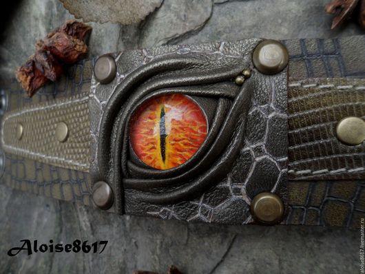 """Браслеты ручной работы. Ярмарка Мастеров - ручная работа. Купить Кожаный браслет """"Глаз рептилии"""". Handmade. Хаки, Пирография"""