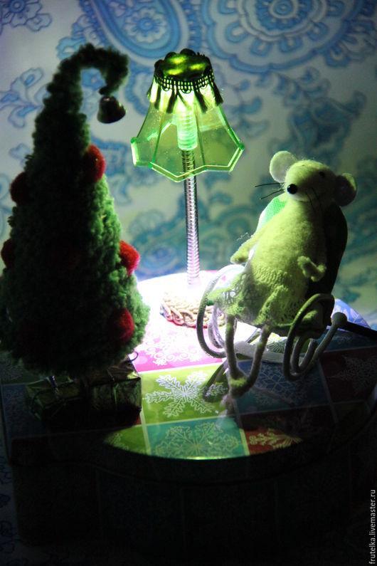 Освещение ручной работы. Ярмарка Мастеров - ручная работа. Купить Ночник Мышка и елка (декор коробки для подарка). Handmade. Разноцветный