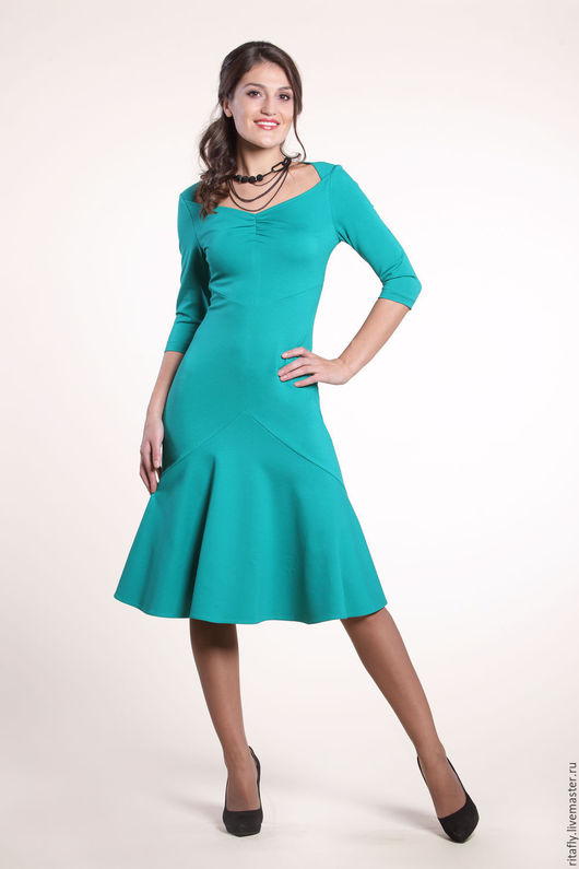 Повседневное платье на каждый день из джерси. Платье с рукавом и воланом. платье с декольте для офиса. Красивое женское платье на заказ