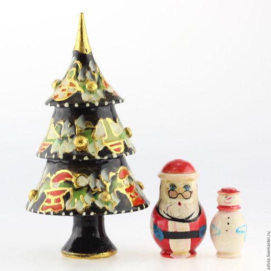 Новый год 2017 ручной работы. Ярмарка Мастеров - ручная работа. Купить Ёлка новогодняя 3 места с Морозом и снеговиком, чёрная, 13.5 см. Handmade.