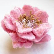"""Брошь-булавка ручной работы. Ярмарка Мастеров - ручная работа Войлочная брошь """"Розовые розы"""". Handmade."""