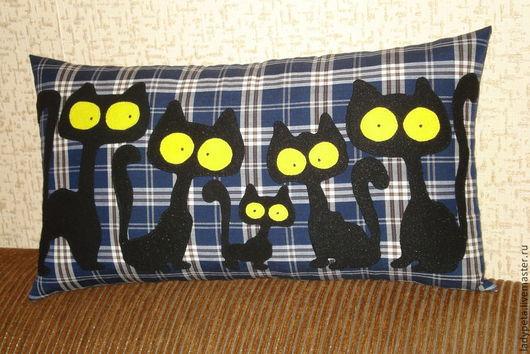"""Текстиль, ковры ручной работы. Ярмарка Мастеров - ручная работа. Купить Подушка """"Кошки.Я и моя большая семья."""". Handmade."""