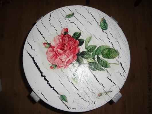 """Мебель ручной работы. Ярмарка Мастеров - ручная работа. Купить Табурет """"Розы винтажные """". Handmade. Декупаж, мебель из дерева"""