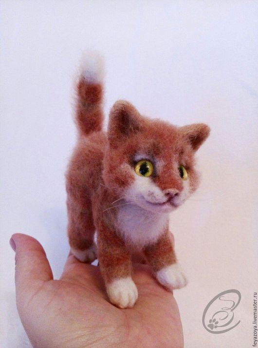 Игрушки животные, ручной работы. Ярмарка Мастеров - ручная работа. Купить Удивленный котеночек, миниатюра из шерсти. Handmade. Серый