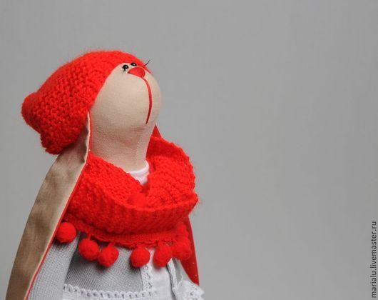Куклы Тильды ручной работы. Ярмарка Мастеров - ручная работа. Купить Зая в красной шапке. Handmade. Ярко-красный