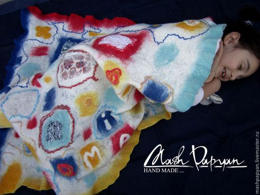 """Пледы и одеяла ручной работы. Ярмарка Мастеров - ручная работа. Купить Валяное одеяло """" Маленькая Миа и цветные сны"""". Handmade."""