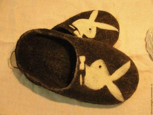 """Обувь ручной работы. Ярмарка Мастеров - ручная работа. Купить Мужские тапочки """"Бабник)))"""". Handmade. Черный, домашние тапочки"""
