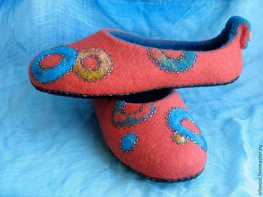"""Обувь ручной работы. Ярмарка Мастеров - ручная работа. Купить Тапочки валяные """"Цветное настроение"""". Handmade. Оранжевый, авторская работа"""