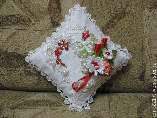 Свадебная подушечка ручной работы
